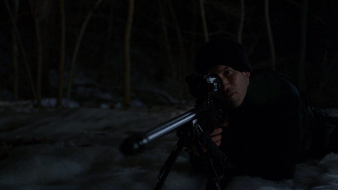 (32) The Punisher scopes in on Agent Orange