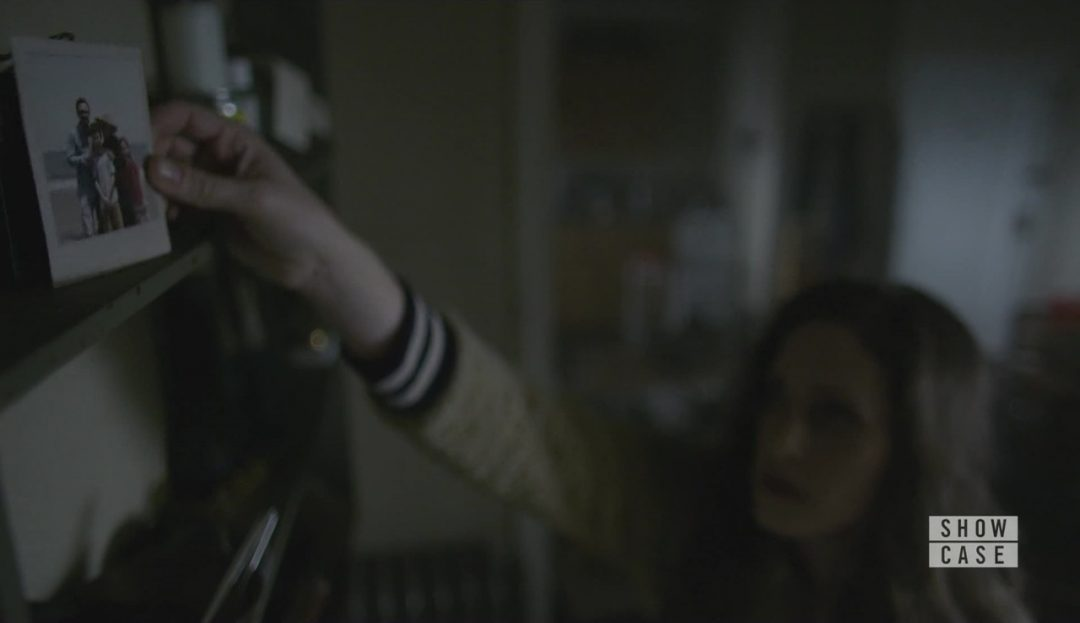 35 - Darlene leaves the Polaroid in Elliot's apartment