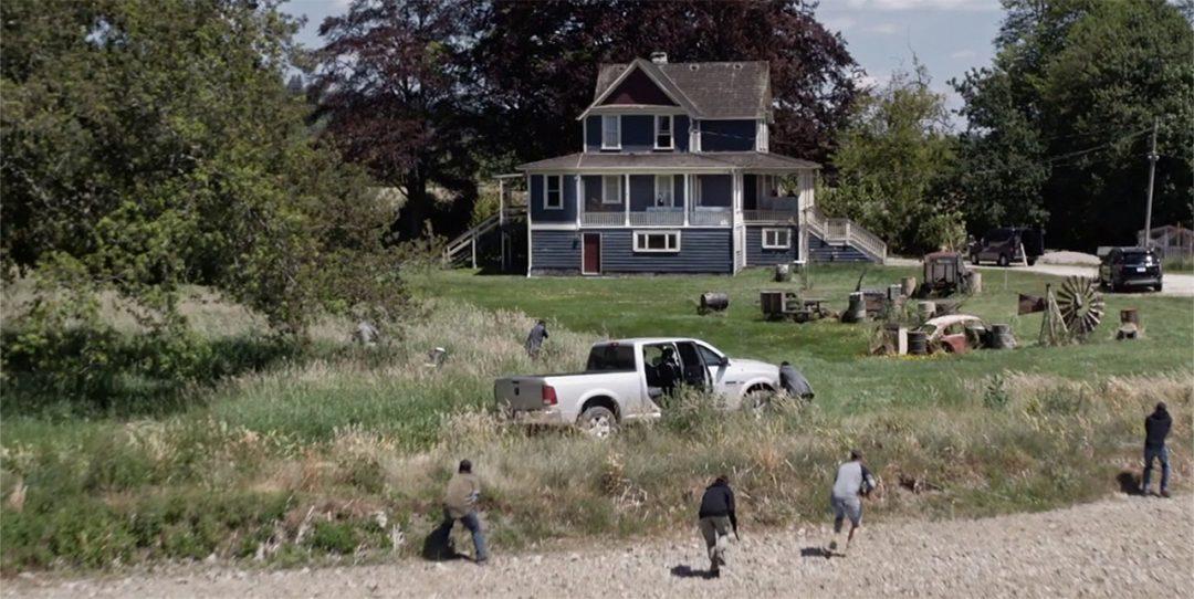 25 - The goons approach the farmhouse on foot