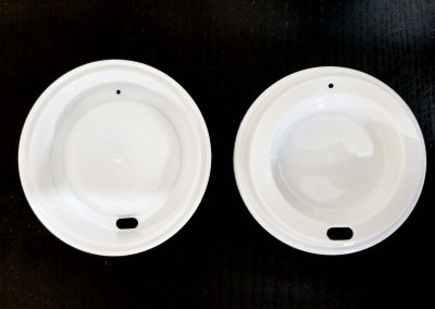 4. The top and bottom of the reusable hot cup lids