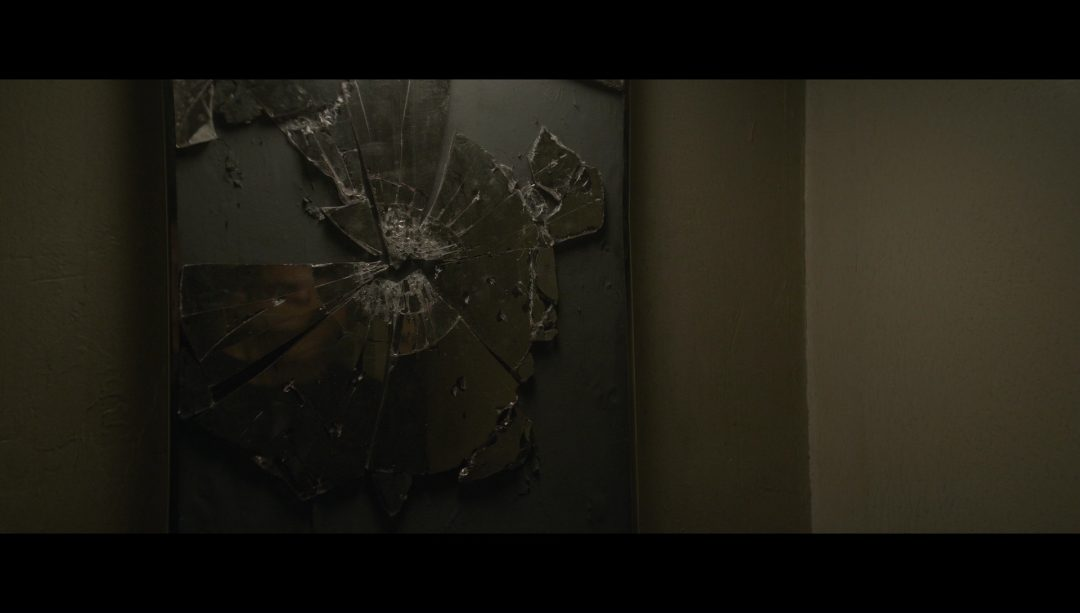 7 - Elliot's physical representation of his self-hatred - a smashed bathroom mirror